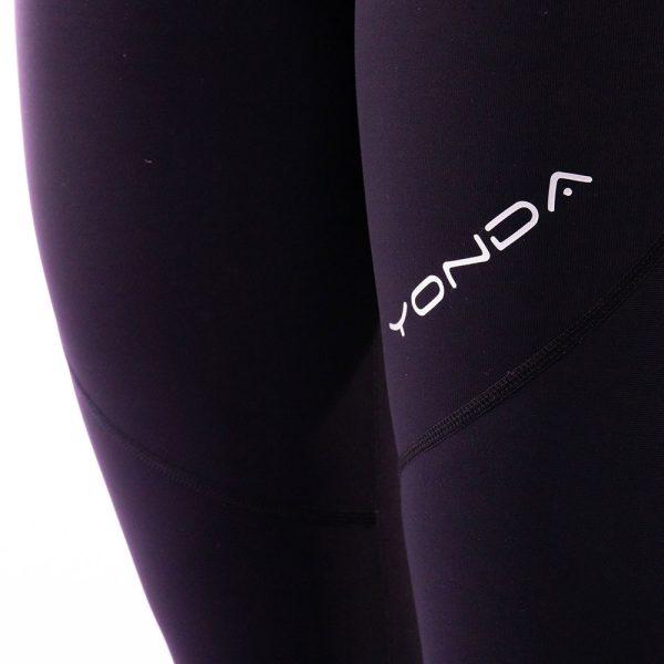 Yonda leggings closeup